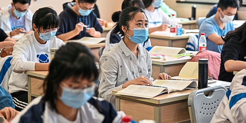 How to help students wear a mask at school