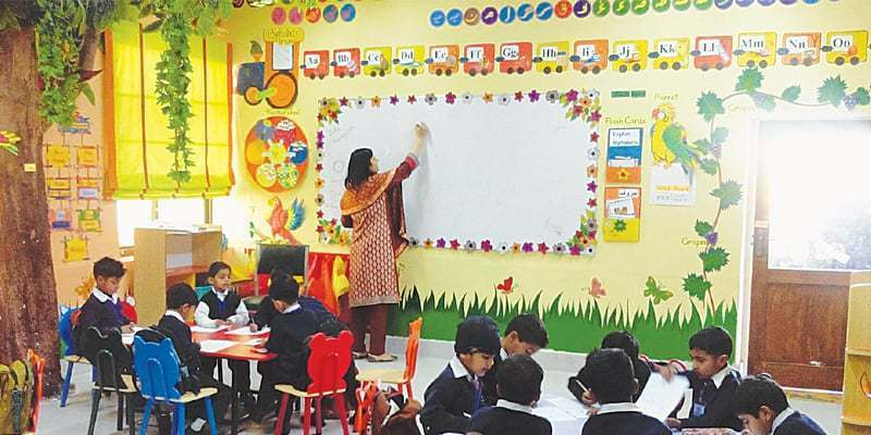 Private schools charge full fee despite school closure