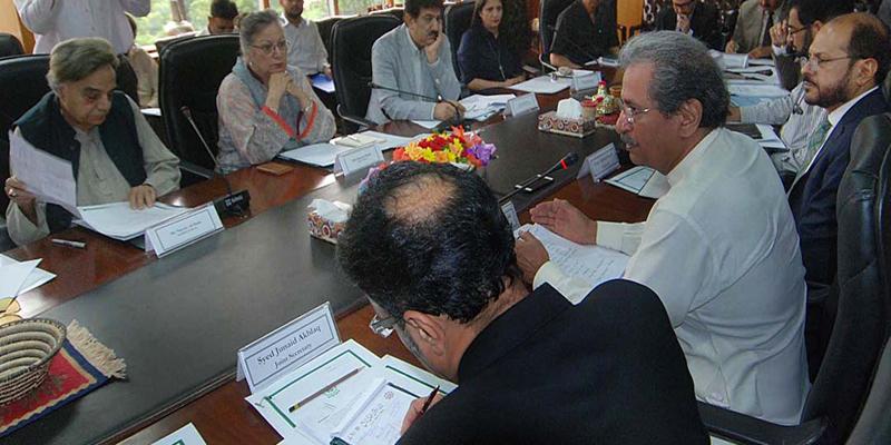 اساتذہ کے مطالبات کا جائزہ لینے کے لیے کمیٹیاں قائم